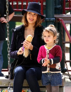 Jessica Alba Mommy Style