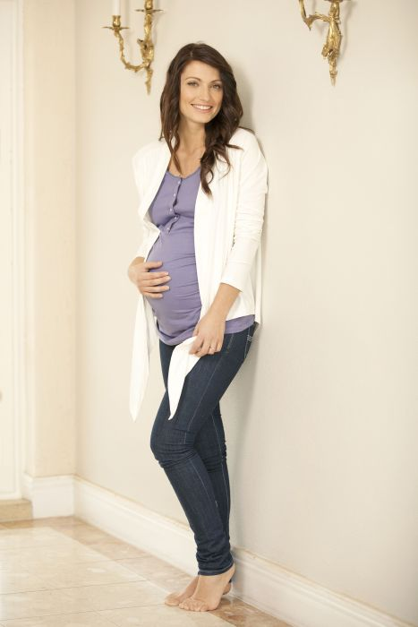sorella & me organic lounge wrap ($63.70) - not only for pregnant sorellas (see below)! Matched here with our lace trim singlet - wear with your favourite jeans or when relaaxing in our drawstring pants